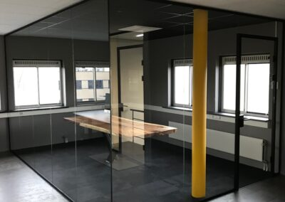 Glazen binnenwanden kantoor Woerden